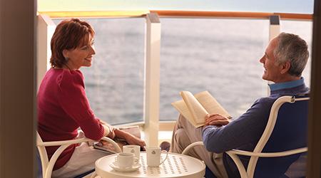 Paar auf Balkon_1.jpg
